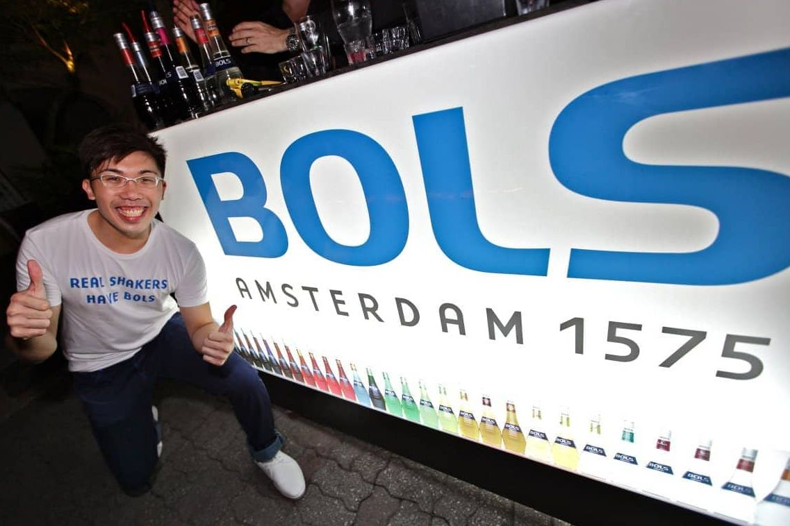 17 BOLS-Liquers-Roving-with-Rob-Rademaker-6-Emcee-MC-Host-Singapore