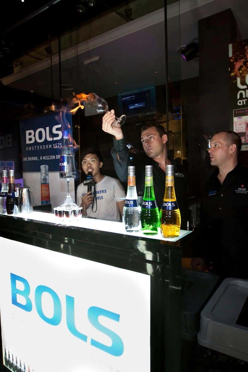 16 BOLS-Liquers-Roving-with-Rob-Rademaker-4-brand-activation-emcee-roadshow-road-show-emcee-singapore