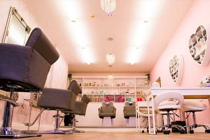 Book Your VIP Cosmetic Lounge Beauty Salon Treatment Now