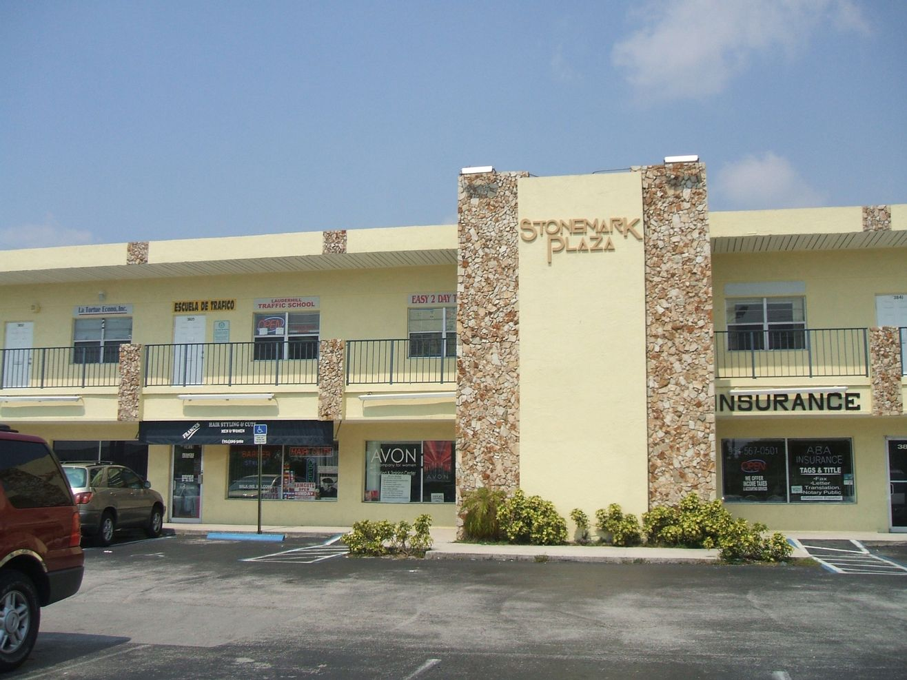 Stonemark Plaza Oakland Park Retail Storefronts for Rent